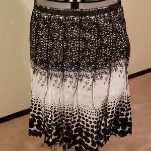 NWOT Black and white skirt